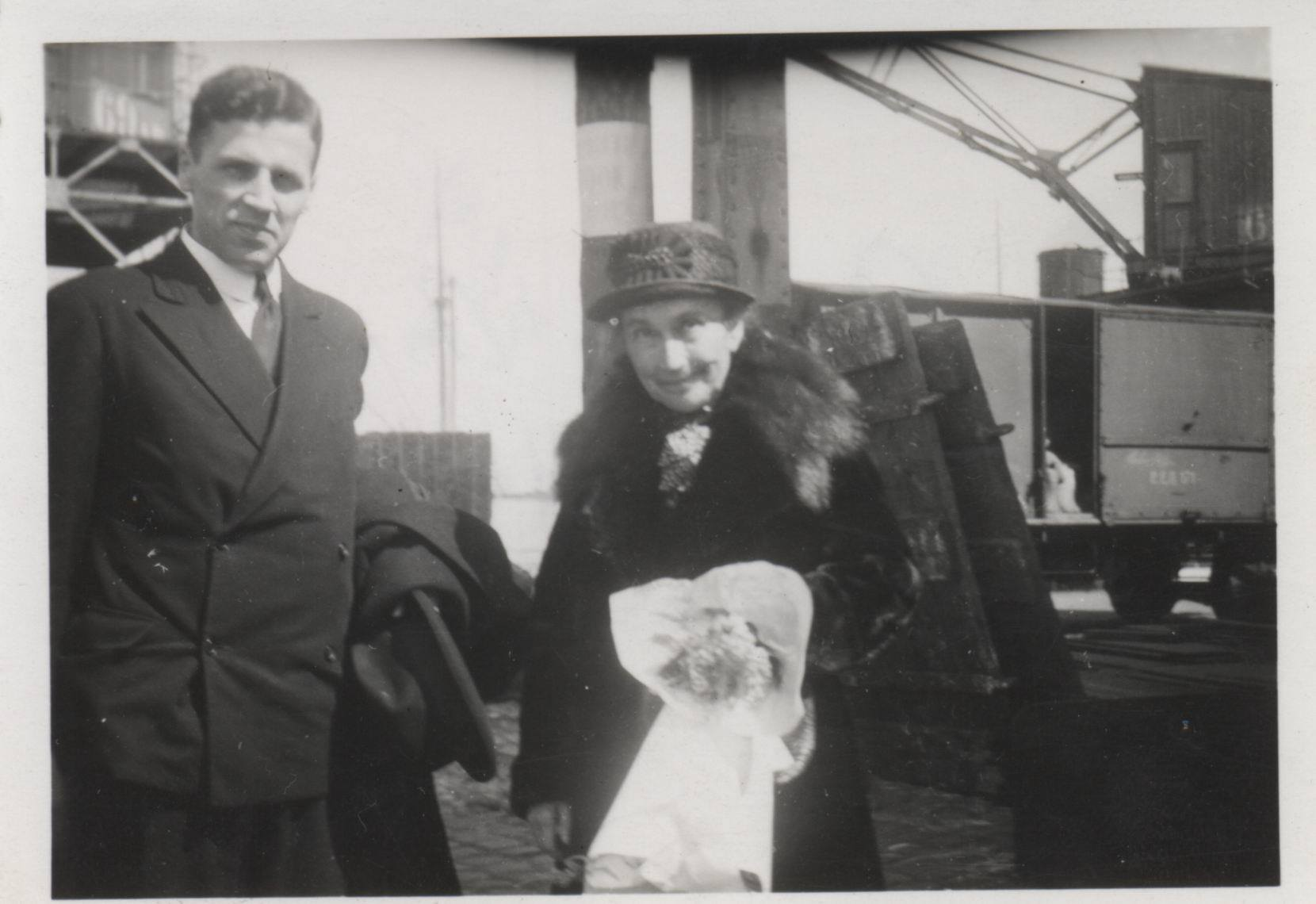 M. Husserl & van Breda